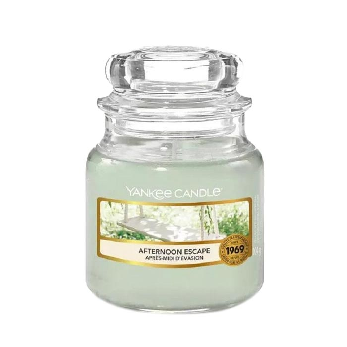Swish Yankee Candle Classic Small Jar Dried Lavender & Oak 104g